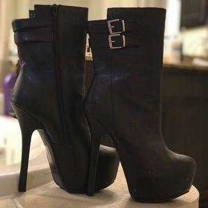 Black heels platform booties size 8 in women's